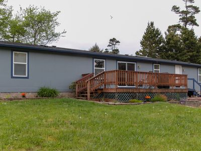 Photo for Family-friendly house w/hot tub & entertainment-close to the beach!