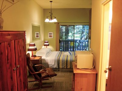 Photo for Snowline Lodge Condo #77 - close to hiking and skiing at Mt. Baker!