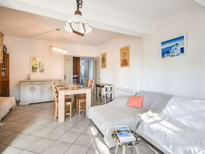 Photo for Stunning private villa for 5 guests with WIFI, TV and parking