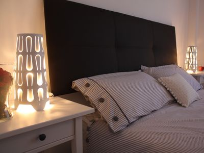 Photo for Modern and bright apartment 15 minutes walk from the historic center with WIFI