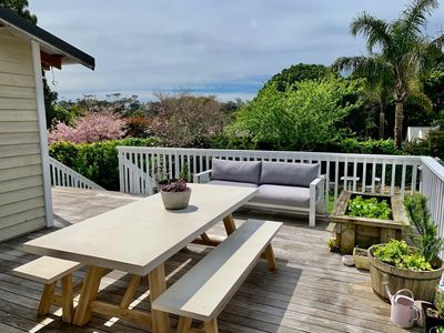 Photo for Sunny Selkirk Villa with a Garden Outlook close to Auckland's best destinations