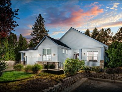 Photo for Southwest Portland Single Level Wheelchair Accessible Home With Open Floor Plan With Ping Pong Table