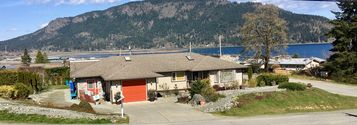 Spacious Ocean View 2 Bedroom Home Within Walking Distance To Cowichan Village