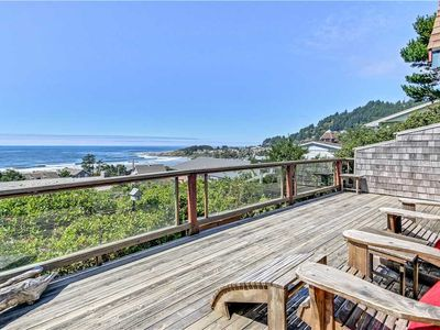 Photo for Adorable Cottage Overlooking Bay and Pacific Ocean! Easy Walk to Beach!