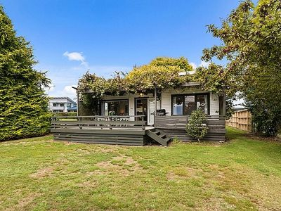 Photo for Serenity by the Lake - Lake Taupo Holiday Home