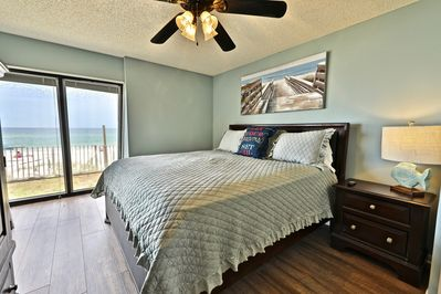 Gulf front master bedroom with a king size bed!