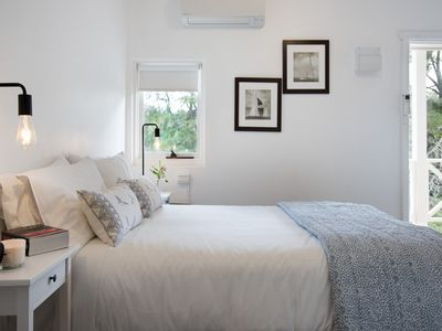 Photo for Lake Daylesford Apartment 3 - Apartment with Free Wi-Fi