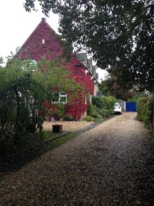 Photo for Beautiful Cottage Set In Quiet Location 2 Mins Walk From The Town