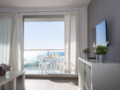 Photo for Apartment with 2 bedrooms, pool, terrace with sea views, 100m. to the center