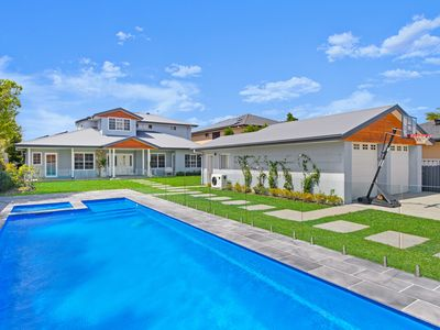 Photo for Hamptons Luxury on The Broadwater Canals