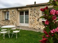 Delightful cottage, well equipped and very comfortable beds.