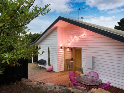 Photo for Dollywood - Stylish Home in Daylesford