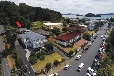 Everything in central Paihia within a 5min walk