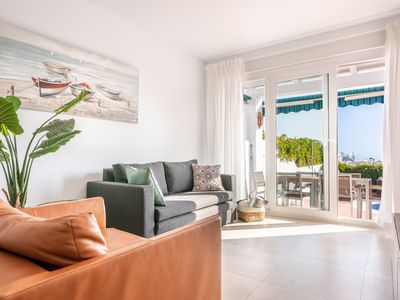 Photo for Luxury holiday home with sea view