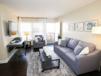 Photo for Belmont Heights★3 Miles to Downtown★2 Miles to Beach★King Bed★Fast WiFi
