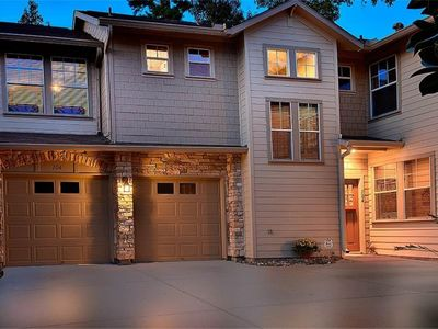 Photo for Spacious 2 story town home in the heart of The Woodlands TX