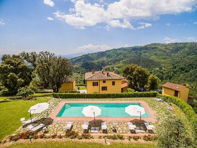 Photo for Villa Splendente: A charming three-story historical villa located in an isolated position, on the slopes of a hill which is covered with olive groves, with Free WI-FI.
