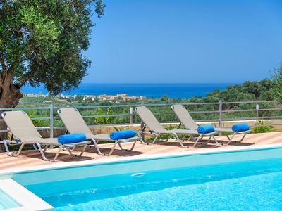 Photo for Spacious luxury high end Villa with Private Pool and spectacular sunset views