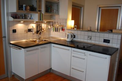 Well equiped kitchen with dishwasher.