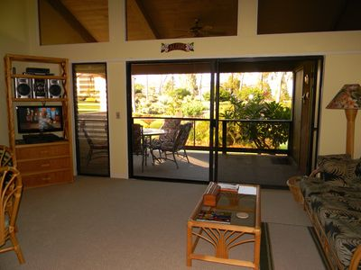Living area opens to spacious lanai w/wetbar