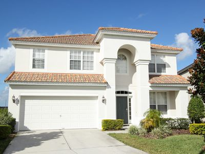 Photo for 6 Bedroom in Windsor Hills 5 minutes to Disney