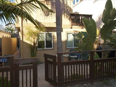Great Location Steps to Bay & Beach, Sleeps up to 8, and Quiet Area Close to All
