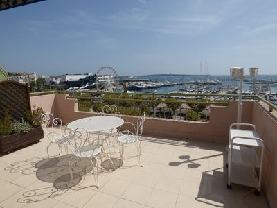 Photo for Beautiful 2 bedroom duplex apartment, large terrace with full sea view, facing Palais