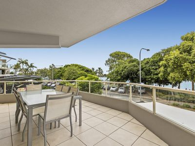 Photo for RIVERSIDE NOOSA Unit 1 River front apartment