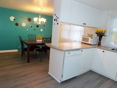 Large fully equipped kitchen with seating for 8 people when table is extended