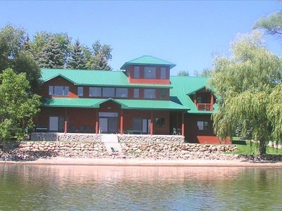 Spectacular Vacation Lake Home with  Stunning Lake Views~Easy Access to Beach!