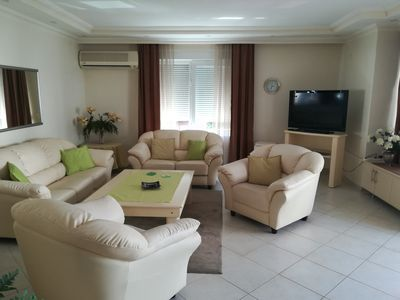 300 m from the beach, nice city apartment with pool, 128 m² for 1-4 pers.