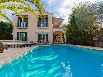 Photo for 200m from Beach. 5 mins away from Puerto Portals, Bendinat Golf & Tennis Courts