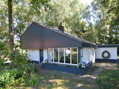Photo for Detached holiday home at the edge of the magnificent forests near Haaksbergen