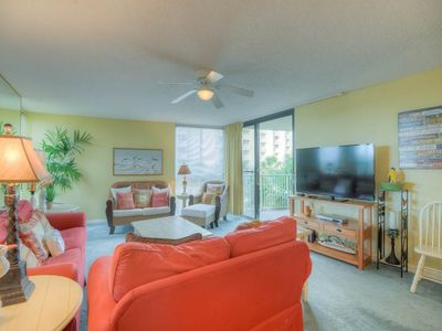 Photo for Comfortable gulf view unit, beach setup included, Quick drive to dining