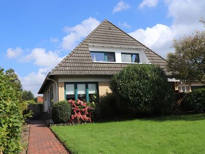 Photo for Spacious holiday home with a large garden at the mouth of the Weser and the North Sea