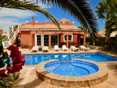 Photo for Wonderful Villa Daisy with heated pool and children pool. Great views