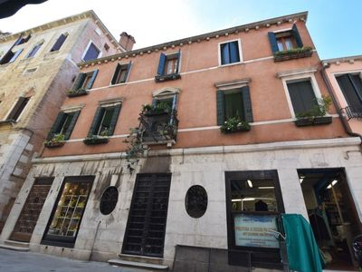 Photo for One bedroom Apartment, sleeps 5 in Venice with Air Con and WiFi