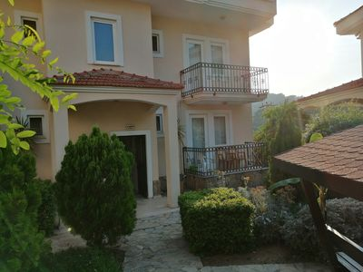 Photo for 2 BEDROOM  GROUND FLOOR APART ON SMALL COMPLEX WITH POOL PERFEC LOATION