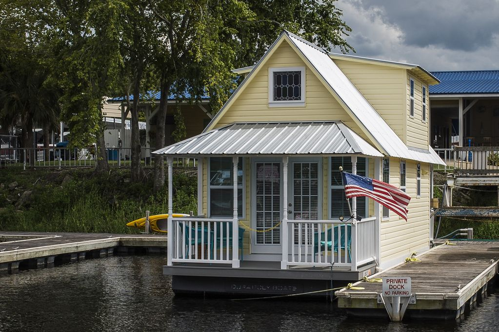 Welcome To Floating Cottage . . . REDUCED SUMMER RATES ... on mobile shipyard, mobile hot tub, mobile swimming pool, mobile restrooms, mobile river, mobile bridge, mobile storage shed, mobile floating deck, mobile island,