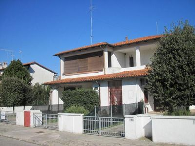 Photo for Holiday apartment Lido delle Nazioni for 5 persons with 2 bedrooms - Holiday apartment