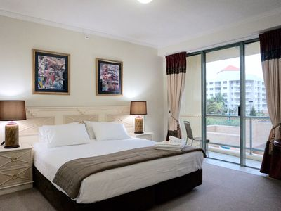 Photo for 1BR Hotel Vacation Rental in Surfers Paradise, QLD