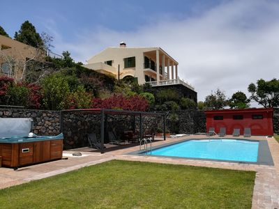 Photo for Strelitzia House: villa with pool, spa, barbecue, gardens and incredible views