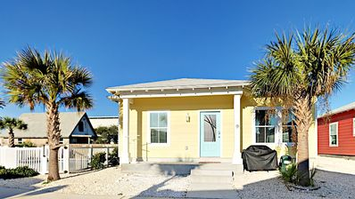 Photo for SP9 - Vacation Townhouse, Shared Pool, 3 Bedroom, 2 bath, Sleeps 9