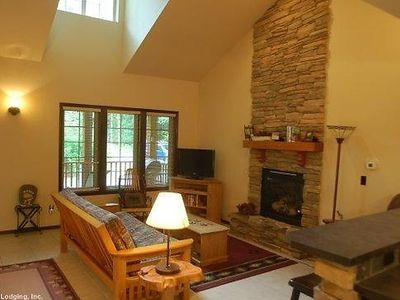 Photo for Vacation home 89GS-A Country Cabin With Hot Tub! in Mount Baker/Glacier - 4 persons, 1 bedrooms
