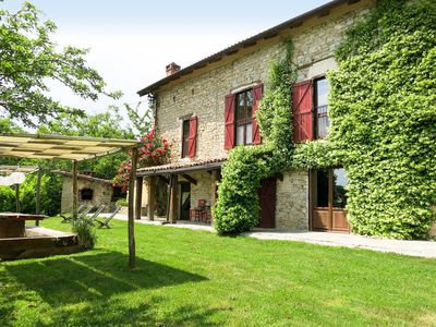 Photo for Vacation home Tenuta Mandol  in Cessole (AT), Piedmont - 8 persons, 3 bedrooms