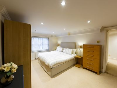 Photo for ****NEW LISTING SPECIAL PRICE*** LOCATION LOCATION - Prime Central London Zone1