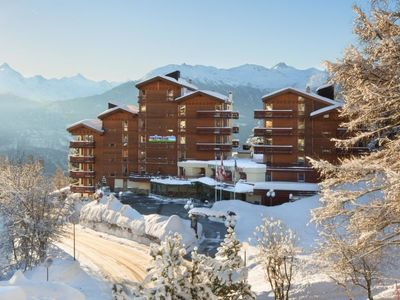 Photo for Apartment Appart-Hotel Helvetia Intergolf in Crans-Montana - 2 persons, 1 bedrooms
