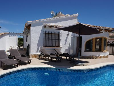 Photo for Villa with private pool, Wifi, TV-SAT, a / c, dishwasher, parking, barbecue