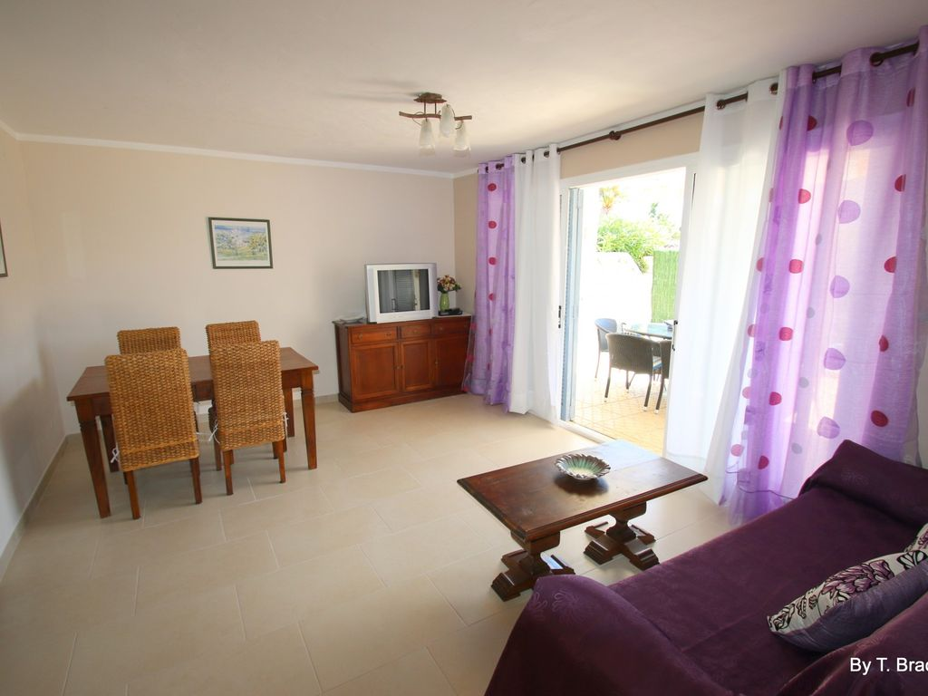 Casa Lara Casa Lara House For 6 People In Miami Playa 6477355 # Muebles Miami Platja