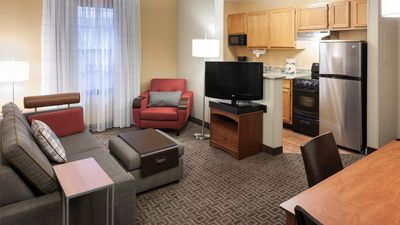 Photo for GROUP VACAY, 3 SUPER COMFY 2BR APTS FOR 15! BREAKFAST, POOL, GRILL, GYM, PARKING